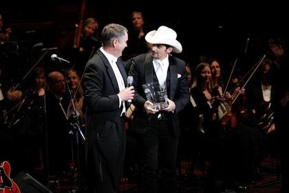 Brad Paisley Harmony Award